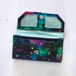 Wallet with two zippered pocket. How to sew a large wallet.