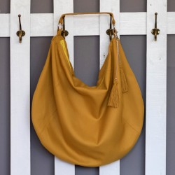 How to sew a large, hobo bag. Bag sewing patterns and tutorials.