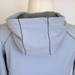 Hoodie with decorative piping