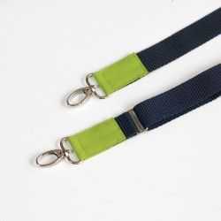 How to sew an adjustable shoulder strap with contrasting tabs.