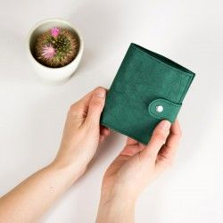 Washable paper wallet - sewing pattern and tutoria