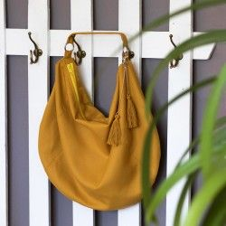 Large, hobo bag pattern. How to sew a slouchy shoulder bag with a zipper.