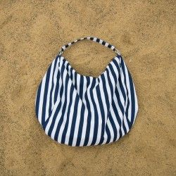 Learn how to sew a large hobo bag with a zipper and a lining. Bag sewing patterns.