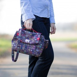 Flap bag sewing pattern and tutorial. Medium shoulder bag with a turn lock.