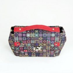 How to sew a bag - step by step instruction. Medium purse with contrasting details.