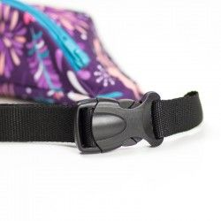 Hip bag with an adjustable belt and a buckle closure.
